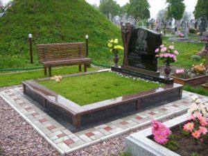 Монумент на могиле фото