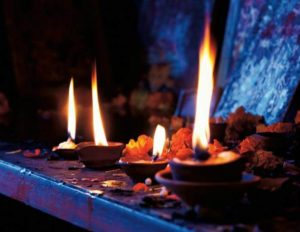 Свечи и благовония фото