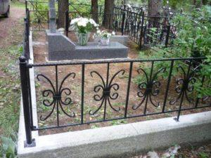 Кованая оградка фото