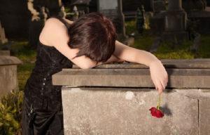 Навещаем родственников на кладбище фото