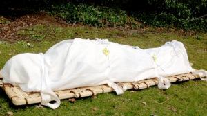Татар хоронят в саване без гроба фото