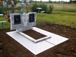 Установка мраморного памятника на плитку фото
