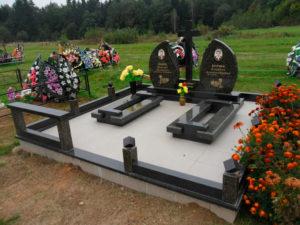 мемориальное надгробие на кладбище фото