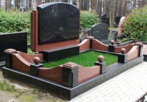Монумент из двух видов гранита фото