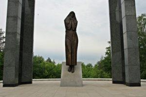 Памятник матери Татьяне Николаевне Николаевой, село Изедеркино фото