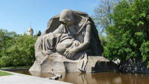 «Скорбь матери», Мамаев курган, г. Волгоград фото