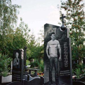 Большие гранитные памятники фото