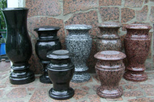 Разновидности ваз из гранита фото