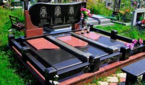Гранитный комплекс на могилу фото