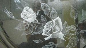 Изображение розы на памятнике фото