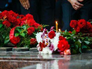 Церковные свечи на похоронах фото