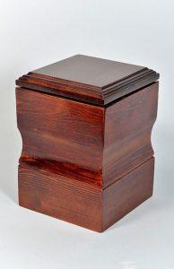 Деревянная урна для праха фото